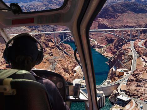Grand Canyon Helicopter & Bootleg Canyon Zipline Adventure Tour