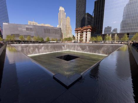 New York Hop-on Hop-off Sightseeing Cruise & 9/11 Memorial Museum