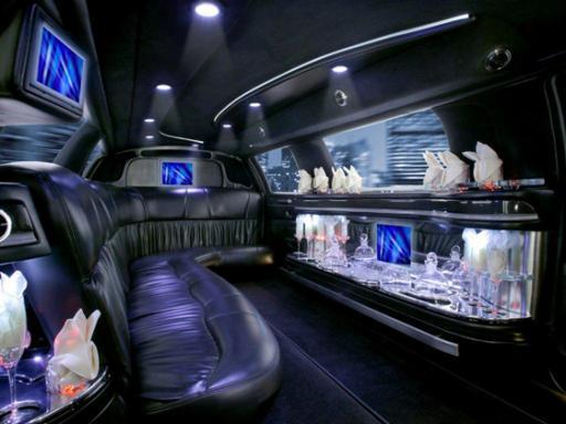 Las Vegas Luxury Stretch Limousine Airport Transfers