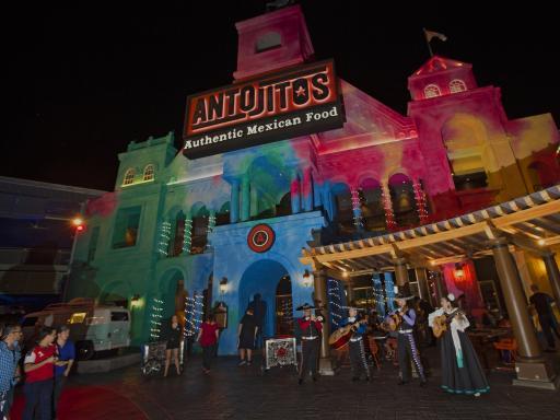 Universal CityWalk Antojitos