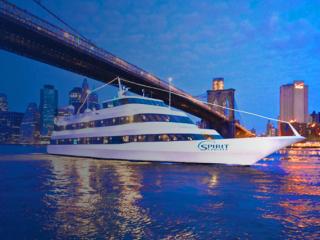 Gratis Glas Champagner bei jedem New York Dinner Cruise