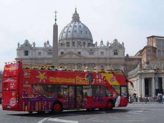 48 Hour Hop-on Hop-off bus and SKIP THE LINE entry to Vatican Museums