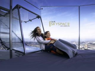 OUE Skyspace L.A. with Skyslide